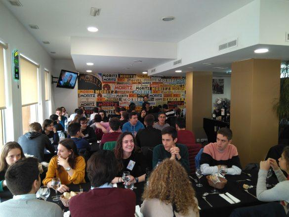 Momentos de la comida tras la prueba de la IXª Olimpiada de Geografía