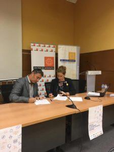 Firma de convenio entre el Colegio de Geógrafos y la Asociación QGIS España